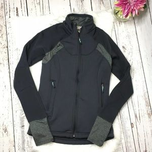 Avalanche zip front jacket size small
